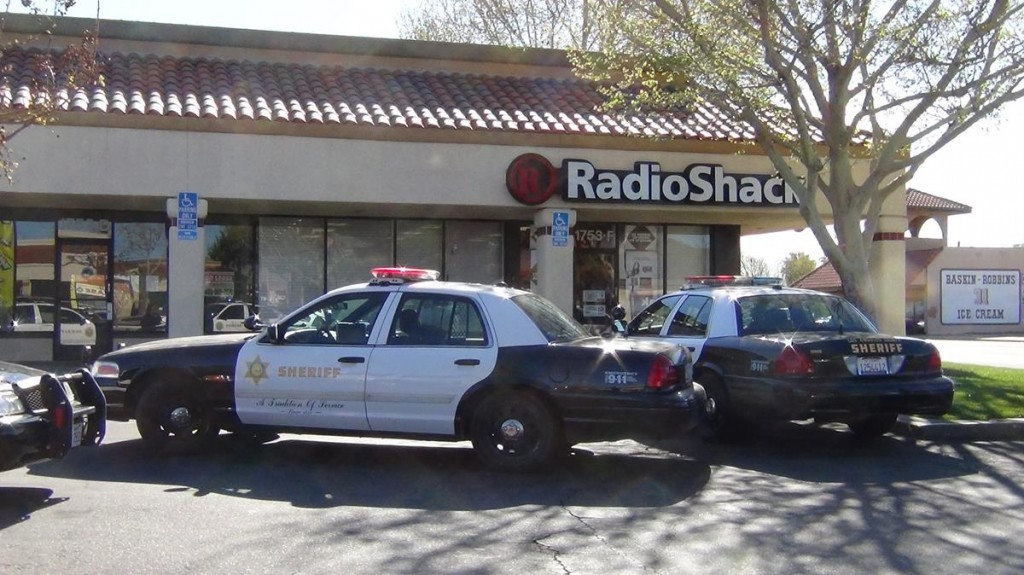 A Radio Shack store at a strip mall in the 1700 Block of East Palmdale Boulevard was held up at gunpoint Saturday morning. (Photos by LUIS MEZA)