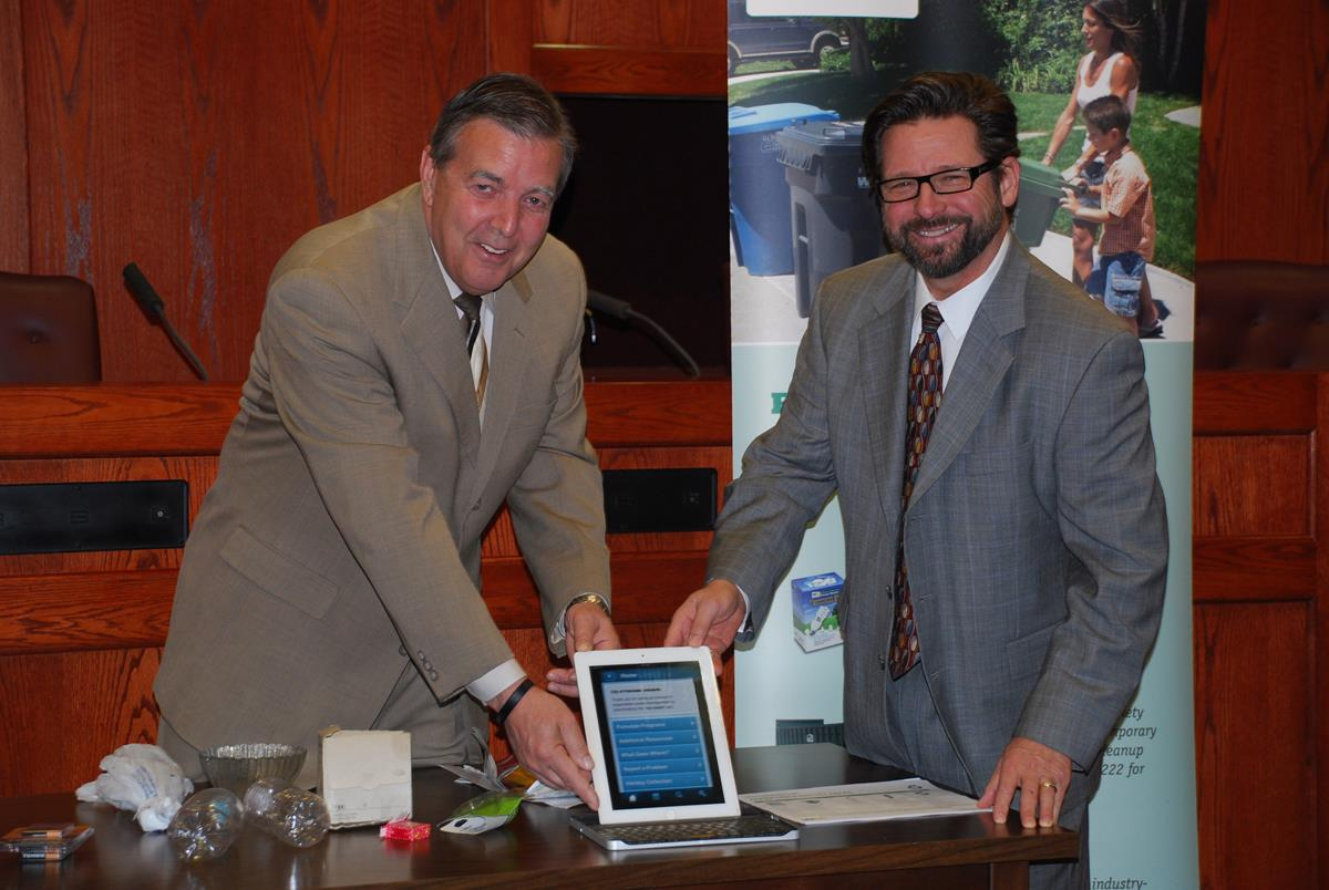 Palmdale, Waste Management unveil first-of-its-kind phone app
